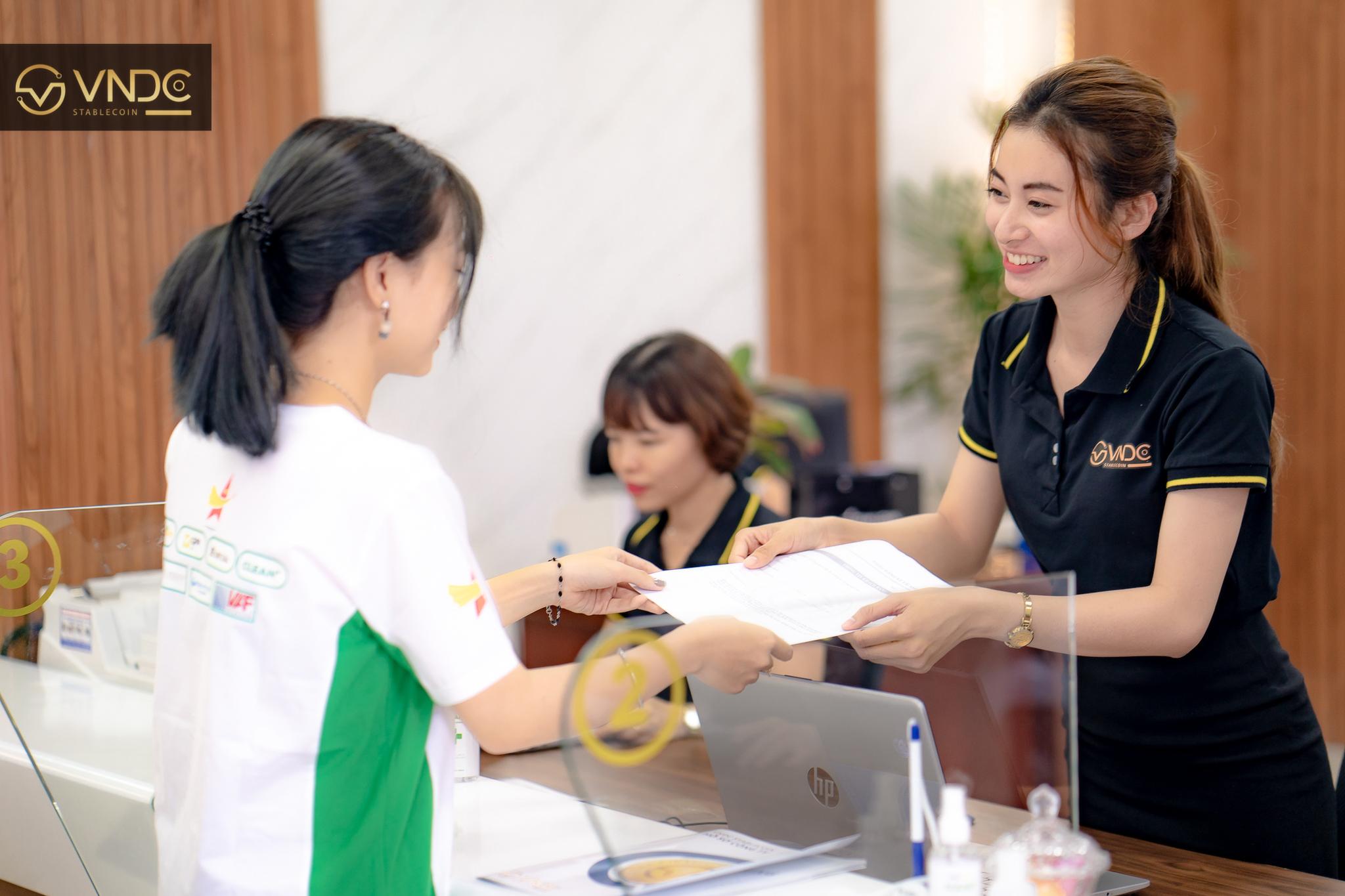 Giới thiệu đối tác kim cương và phòng giao dịch đầu tiên tại Việt Nam